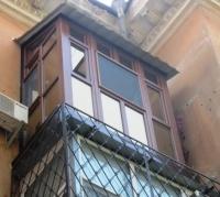 Французкий балкон с крышей._1