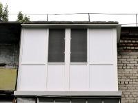 Балкон с заполнением сендвич панелью